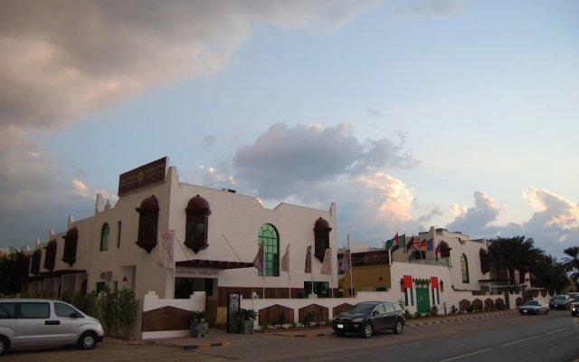 Al Raha Hotel Apartments вид на фасад