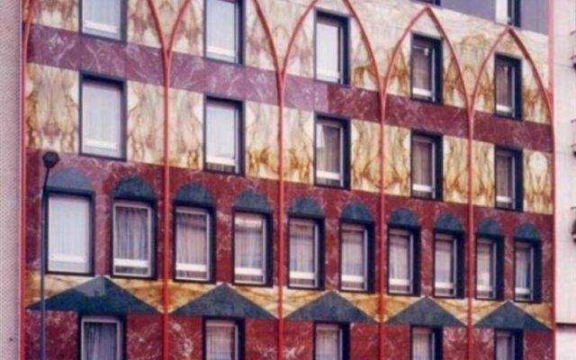 Hotel Auriga вид на фасад