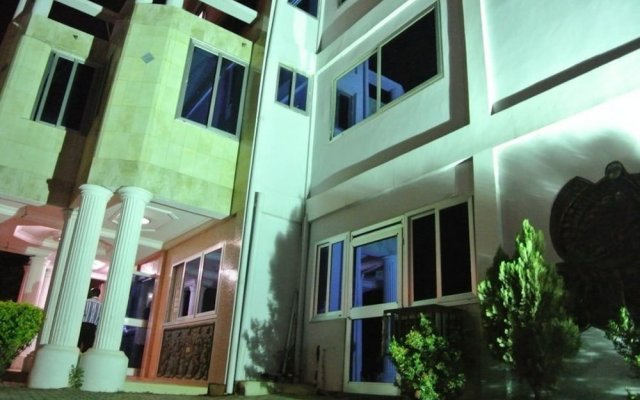 Pemicsa Hotel вид на фасад