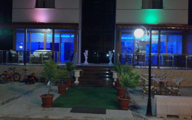 Baskent Otel Турция, Дикили - отзывы, цены и фото номеров - забронировать отель Baskent Otel онлайн вид на фасад