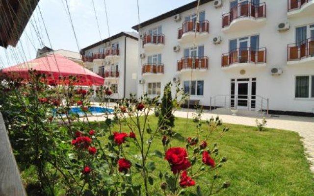 Гостиница More y Nas Guest House в Анапе отзывы, цены и фото номеров - забронировать гостиницу More y Nas Guest House онлайн Анапа вид на фасад