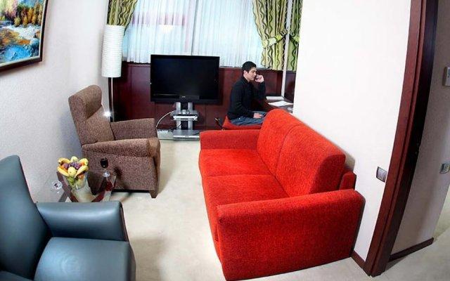Отель Ontur Otel Iskenderun Искендерун комната для гостей