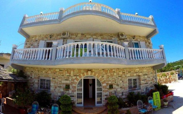 Отель Vila ILIRIA Албания, Ксамил - отзывы, цены и фото номеров - забронировать отель Vila ILIRIA онлайн вид на фасад