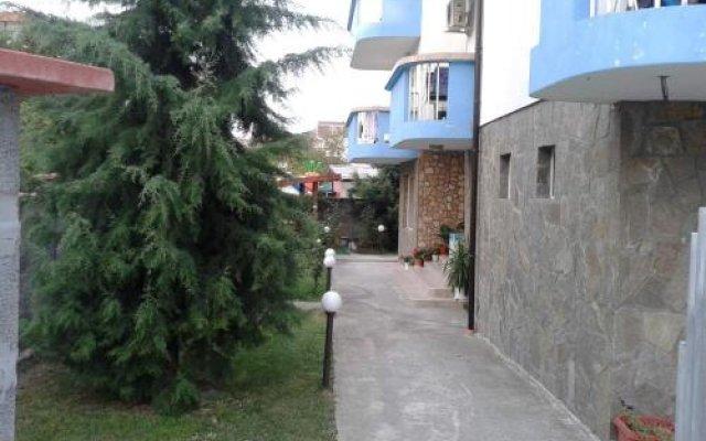 Отель Guest House Pazderkovi Равда вид на фасад