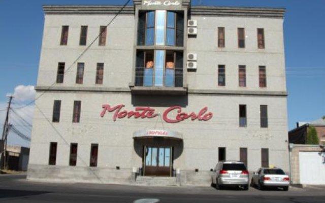 Отель Monte Carlo Ереван вид на фасад
