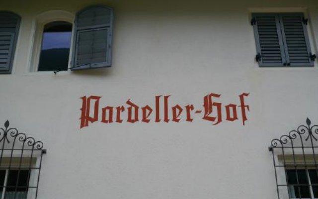 Отель Pardellerhof Марленго вид на фасад