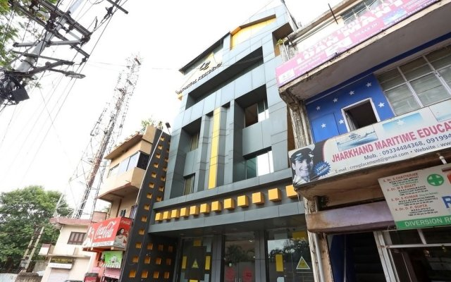 Hotel Crystal Residency Chennai вид на фасад