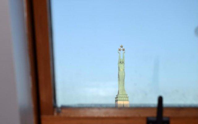 Отель Liberty Mansard Латвия, Рига - отзывы, цены и фото номеров - забронировать отель Liberty Mansard онлайн комната для гостей