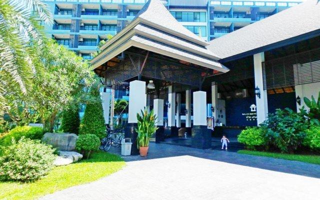 Отель Baan Bangsaray Condo Банг-Саре вид на фасад