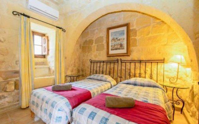 Отель Villa Veduta Мальта, Айнсилем - отзывы, цены и фото номеров - забронировать отель Villa Veduta онлайн комната для гостей