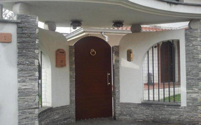 Отель Crespi House Парабьяго вид на фасад