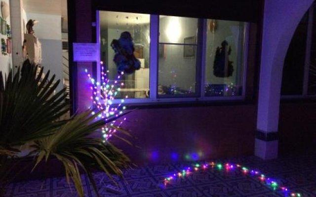 Гостиница Виктория Эллинг в Сочи отзывы, цены и фото номеров - забронировать гостиницу Виктория Эллинг онлайн вид на фасад