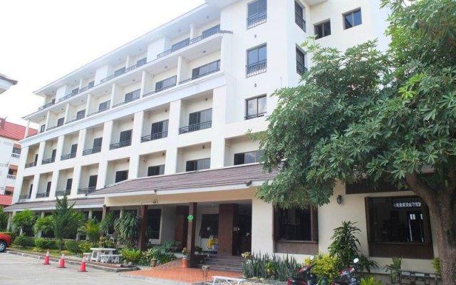 Baan Khun Poh Hotel вид на фасад