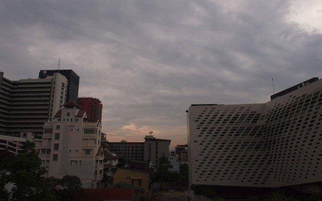 Отель A One Inn Бангкок вид на фасад