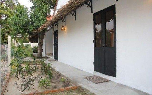 Отель An Bang Vana Villas вид на фасад