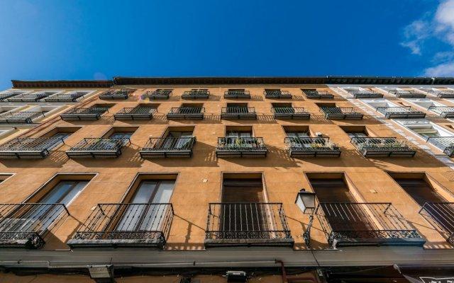 Отель Grand Latina Apartment Испания, Мадрид - отзывы, цены и фото номеров - забронировать отель Grand Latina Apartment онлайн вид на фасад