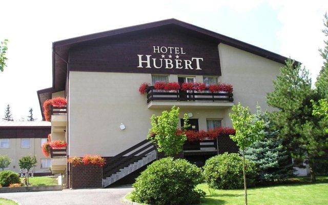 Отель Hubert Чехия, Франтишкови-Лазне - отзывы, цены и фото номеров - забронировать отель Hubert онлайн вид на фасад