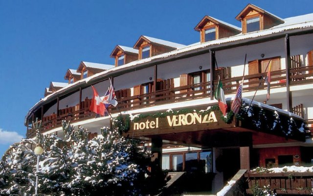 Wellness & Family Hotel Veronza Карано вид на фасад