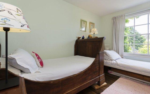 Отель Voyagers End комната для гостей