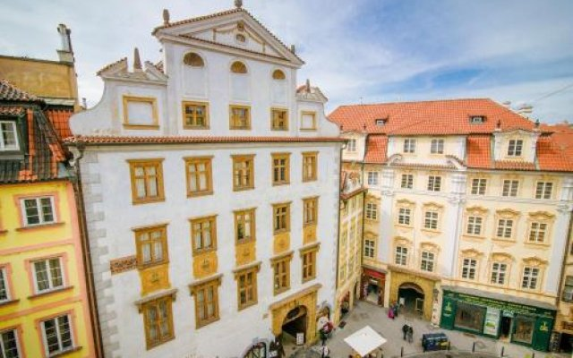 Prague Square Hostel Прага вид на фасад