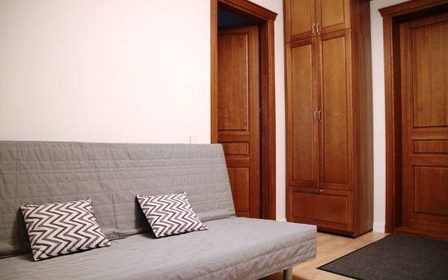 Отель One bedroom Labdariu вид на фасад