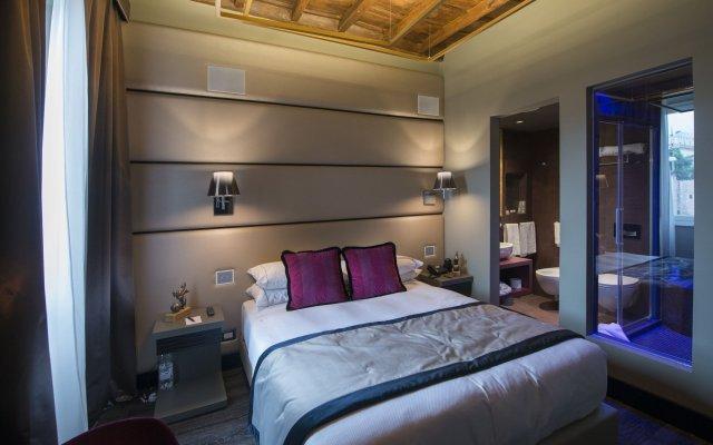 Отель Torre Argentina Relais Рим комната для гостей