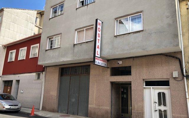 Отель Hostal Galicia Монфорте-де-Лемос вид на фасад