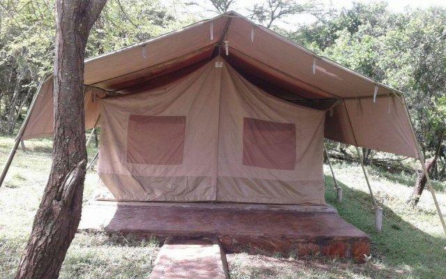 Отель Enkolong Tented Camp вид на фасад