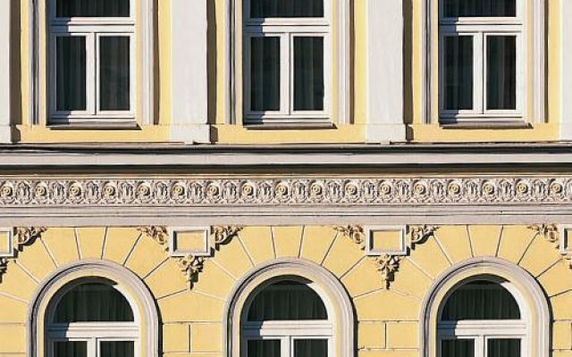 Hotel & City Appartements Rothenburger Hof вид на фасад