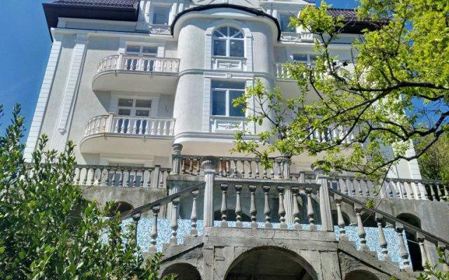 Гостевой Дом Летово вид на фасад