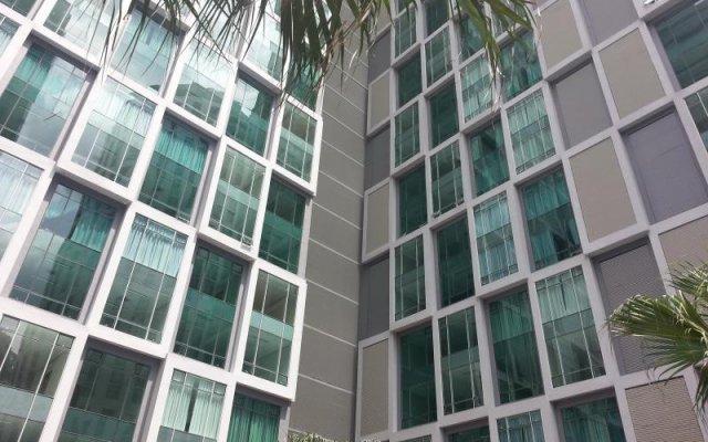 Отель KL101 Service Suite at Soho Suites KLCC Малайзия, Куала-Лумпур - отзывы, цены и фото номеров - забронировать отель KL101 Service Suite at Soho Suites KLCC онлайн вид на фасад