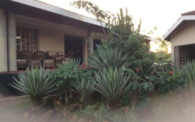 Palm Valley Lodge