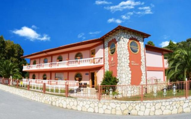 Отель Petros Italos Греция, Ситония - отзывы, цены и фото номеров - забронировать отель Petros Italos онлайн вид на фасад