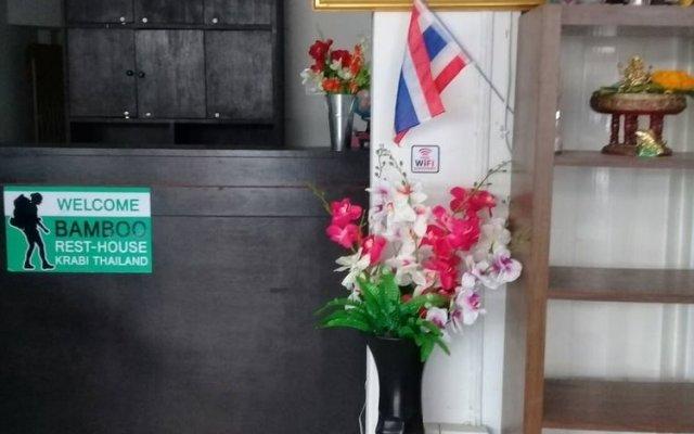 Отель Bamboo Rest House Таиланд, Краби - отзывы, цены и фото номеров - забронировать отель Bamboo Rest House онлайн интерьер отеля