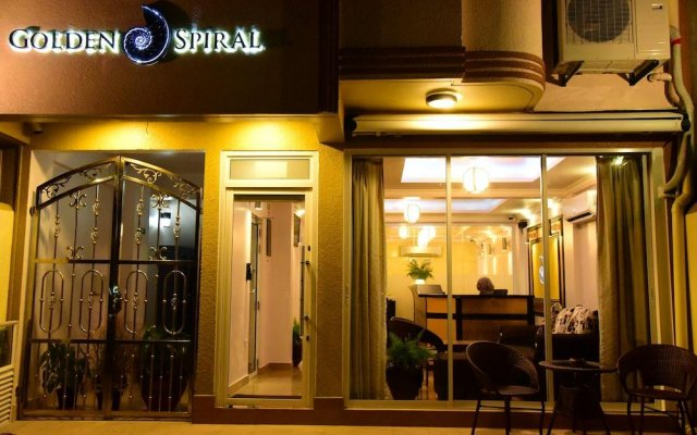 Отель Golden Spiral Maldives Мальдивы, Мале - отзывы, цены и фото номеров - забронировать отель Golden Spiral Maldives онлайн вид на фасад