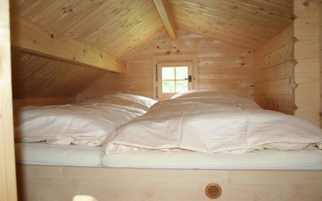 Отель Camping Amerika Чехия, Франтишкови-Лазне - отзывы, цены и фото номеров - забронировать отель Camping Amerika онлайн комната для гостей