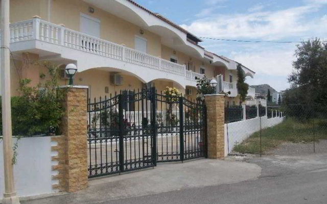 Отель VARELIS Парадиси вид на фасад