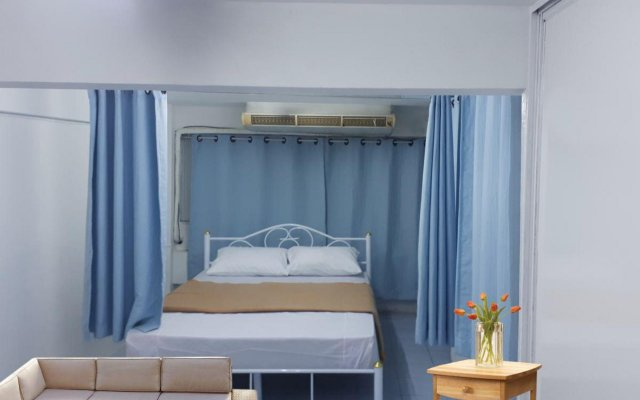 Omarthai Hotel - Hostel Бангкок комната для гостей