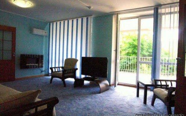 Гостиница Южный в Краснодаре - забронировать гостиницу Южный, цены и фото номеров Краснодар комната для гостей