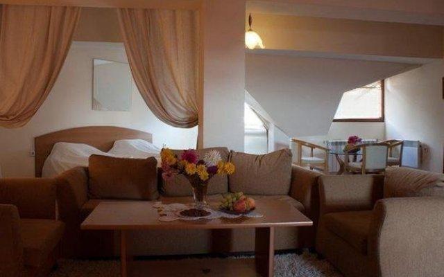 Hotel Alex комната для гостей