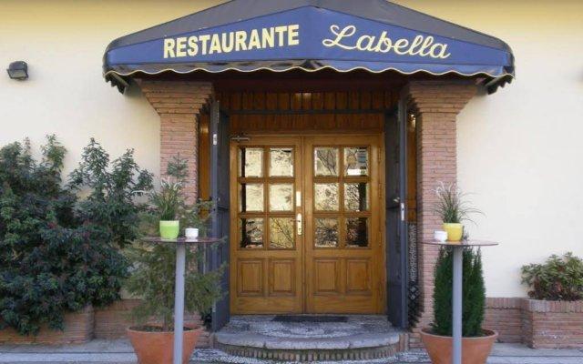 Отель Labella Maria вид на фасад