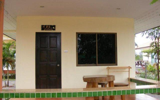 Отель Baan Pak Rim Nam вид на фасад
