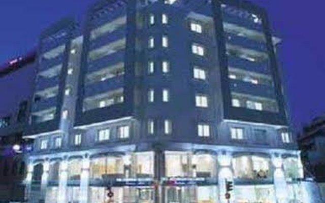 Ionis Hotel вид на фасад