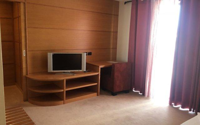 Icon Hotel 2