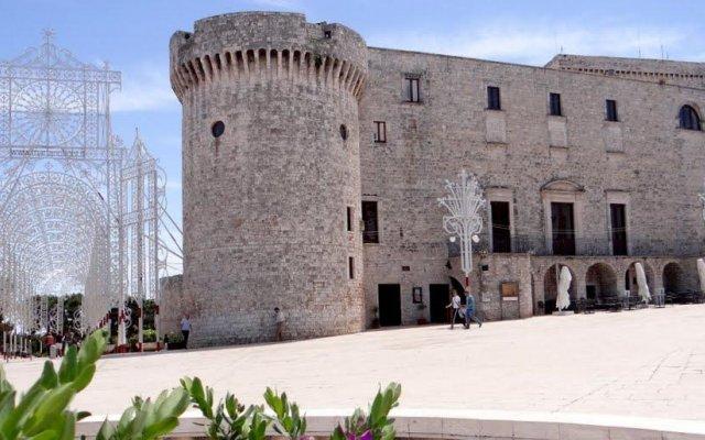 Отель Dimora Francesca Конверсано вид на фасад