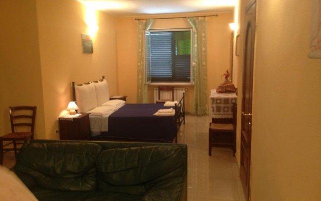 Отель Villa Naclerio Сарцана комната для гостей