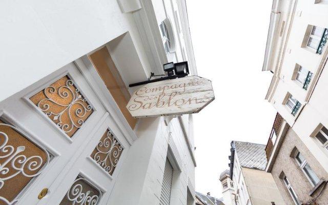 Отель Compagnie des Sablons Apartments Бельгия, Брюссель - отзывы, цены и фото номеров - забронировать отель Compagnie des Sablons Apartments онлайн вид на фасад