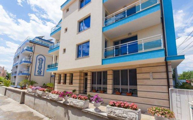 Отель Guest House Kristal Болгария, Равда - отзывы, цены и фото номеров - забронировать отель Guest House Kristal онлайн вид на фасад