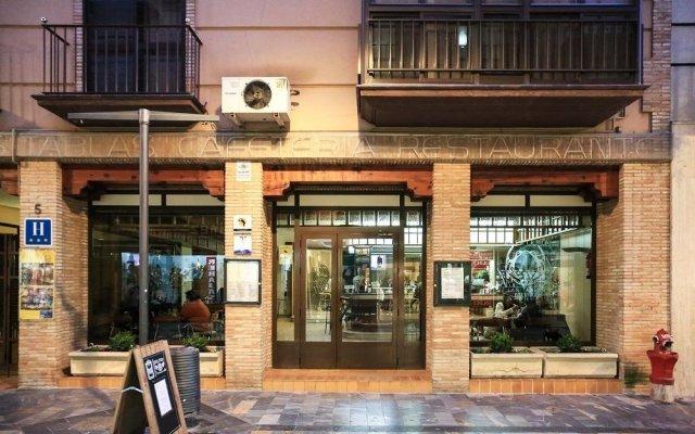 Hotel Las Tablas вид на фасад