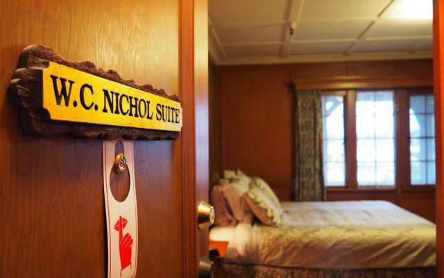 the latch inn b b and restaurant booktown canada zenhotels rh zenhotels com